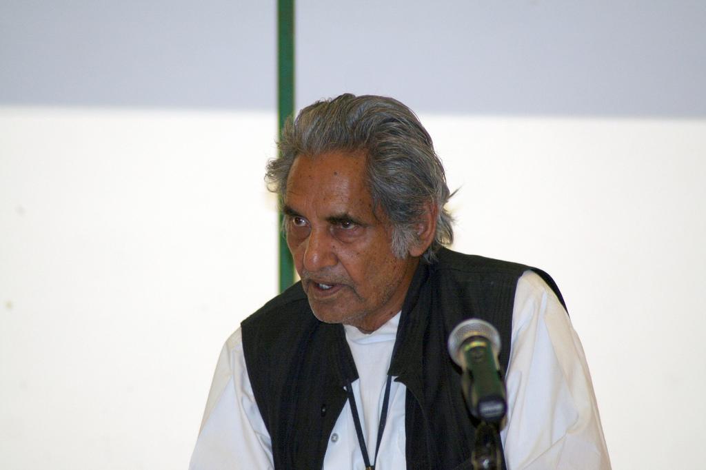 गीत सम्राट कवि नीरज जी के प्रति श्रद्धांजलि