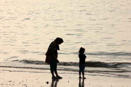 मातृ दिवस पर डॉ . भारती वर्मा 'बौड़ाई जी की चार कविताएँ